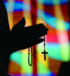 images prayer 400x437 275x300 - MAN PRAYS ROSARY AT OKLAHOMA CHURCH