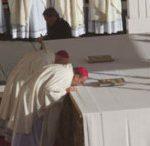 images bishop cunningham kisses altar 260x146 150x146 - images_bishop cunningham kisses altar-260x146-150x146