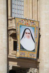 images left marianne 201x300 - images_left marianne