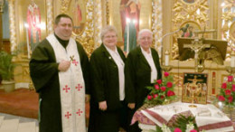 images healingdevine 260x146 - Father Mykhaylo, Sister Mediatrice and Sister Grace Ann