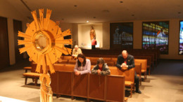 images page 7 pic may 16 260x146 - WORSHIPPERS KNEEL BEFORE EUCHARIST IN ARIZONA CHURCH