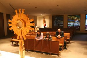 images page 7 pic may 16 300x200 - WORSHIPPERS KNEEL BEFORE EUCHARIST IN ARIZONA CHURCH