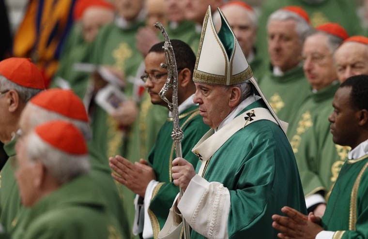 Pope urges cardinals to go in search of the lost, bring them in