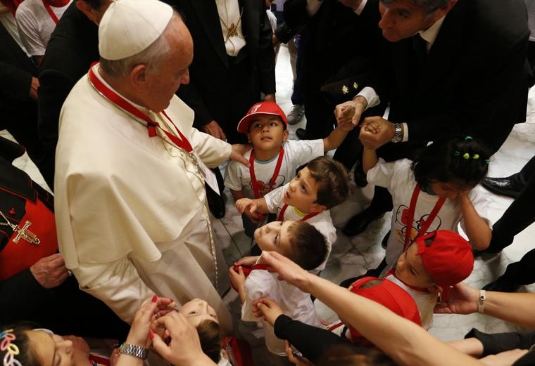 Pope meets sick children and children of Italian inmates