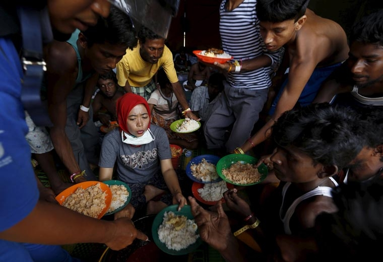Ending hunger requires changes in lifestyles, production, pope says