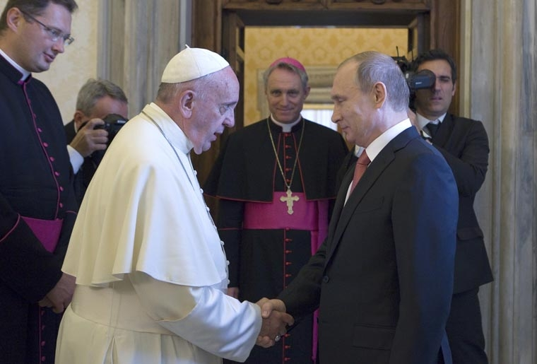 Pope pushes Putin to work for peace in eastern Ukraine