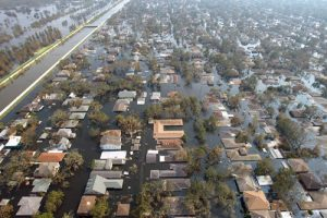 20150821cnsbr0236 1 300x200 - 2005 photo shows homes under water after Hurricane Katrina hits New Orleans