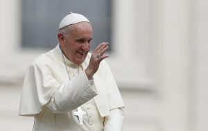 20150916cnsbr0692 1 300x189 - Pope Francis waves as he leaves general audience in St. Peter's Square at Vatican