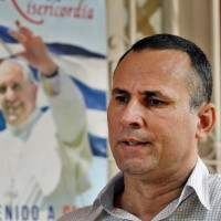 20150920cnsnw0078 200x200 - Former political prisoner Ferrer speaks during an interview in Havana