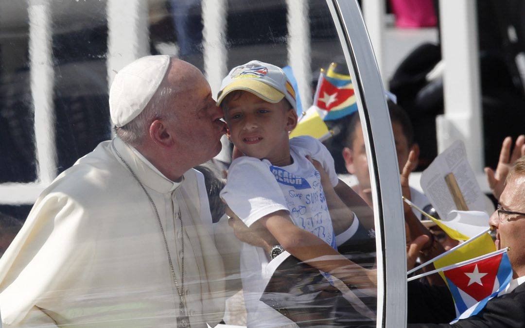 Jesus' love changes people, enables them to love others, pope says