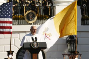 20150923cnsnw00039 1 300x198 - Pope Francis speaks during ceremony with U.S. President Barack Obama at White House