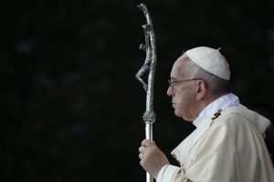 20150923cnsnw001451 1 300x200 - Pope Francis celebrates Mass, canonization of Junipero Serra outside the Basilica of the National Shrine of the Immaculate Conception