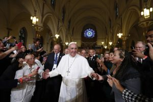 20150924cnsnw0367 1 300x200 - Pope Francis arrives to give talk at St. Patrick in the City Church in Washington