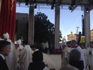 IMG 0009 1 300x225 - Father Christopher Seibt sends dispatches from DC as he helps to MC papal Mass