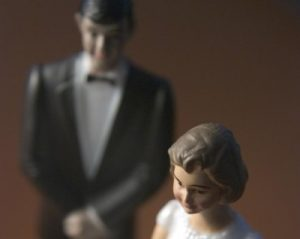 bride and groom 400x318 300x239 - bride-and-groom-400x318