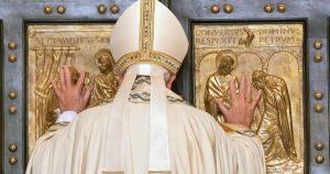 20151208T0717 259 CNS POPE MERCY DOOR 600x315 300x158 - HOLY DOOR VATICAN