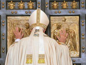 20151208T0717 259 CNS POPE MERCY DOOR1 1 300x227 - HOLY DOOR VATICAN