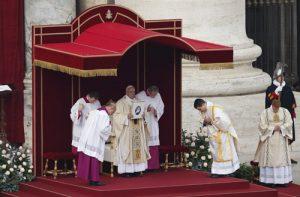 20151208T0800 264 CNS POPE MERCY DOOR 1 300x197 - HOLY YEAR VATICAN