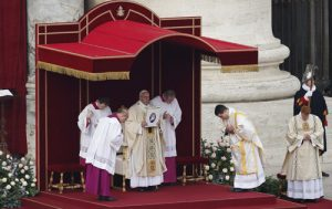 20151208T0800 264 CNS POPE MERCY DOOR 500x315 300x189 - HOLY YEAR VATICAN