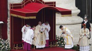 20151208T0800 264 CNS POPE MERCY DOOR 777x437 300x169 - HOLY YEAR VATICAN