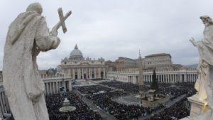 20151208T0800 266 CNS POPE MERCY DOOR 373x210 300x169 - HOLY YEAR VATICAN