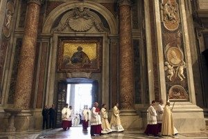 20151210T0830 938 CNS VATICAN LETTER YEAREND 300x201 300x201 - HOLY DOOR VATICAN