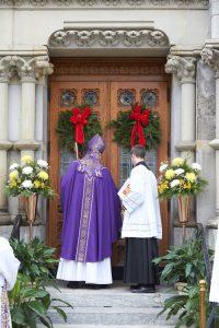 O7U0390 1 200x300 - Holy Door