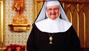 page 5 wire feature photo mother angelica 20160328T0841 2389 CNS OBIT MOTHER ANGELICA 1 760x437 300x173 - page-5-wire-feature-photo-mother-angelica-20160328T0841-2389-CNS-OBIT-MOTHER-ANGELICA-1-760x437