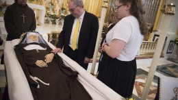 20160401T1416 2499 CNS MOTHER ANGELICA FUNERAL 260x146 - 20160401T1416-2499-CNS-MOTHER-ANGELICA-FUNERAL-260x146