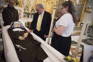 20160401T1416 2499 CNS MOTHER ANGELICA FUNERAL 300x200 - MOTHER ANGELICA FUNERAL