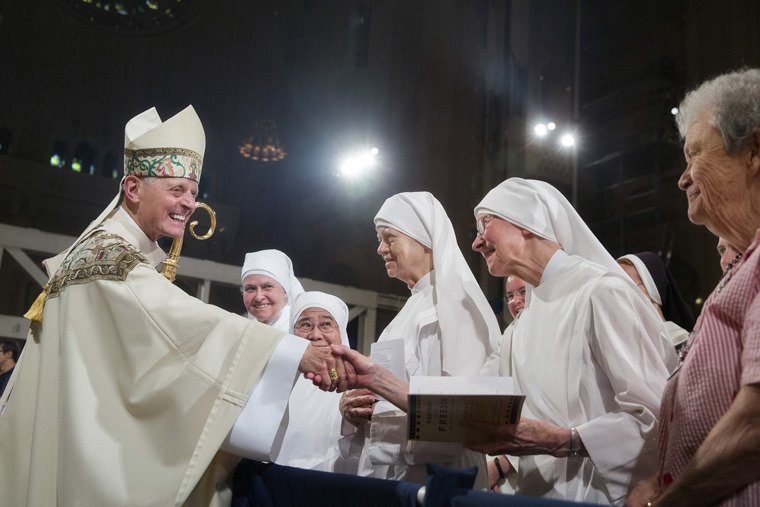 At closing Mass,  people encouraged to pray, act  for religious freedom