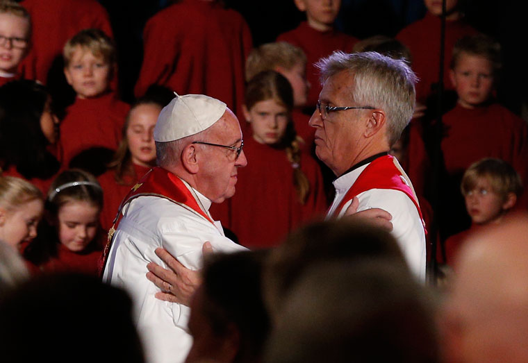 Pope, Lutheran leaders begin Reformation commemoration with prayer