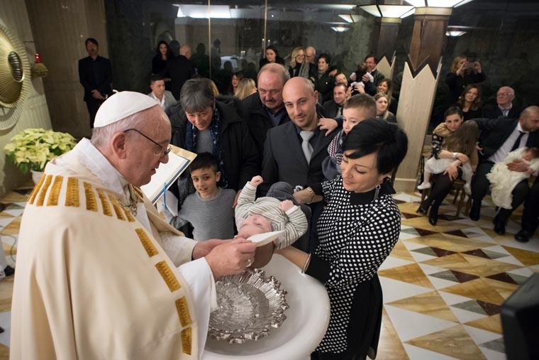 Pope baptizes babies born in Italian earthquake zone