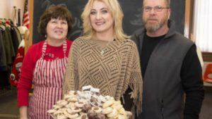 Toni Amodio holds tray of cookies 373x210 300x169 - Toni-Amodio-holds-tray-of-cookies-373x210