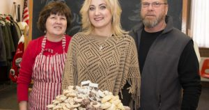 Toni Amodio holds tray of cookies 600x315 300x158 - Toni-Amodio-holds-tray-of-cookies-600x315