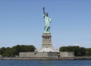20170130T0950 0166 CNS TRUMP REFUGEES REACTION 300x218 - NEW YORK REFUGEES REACTION