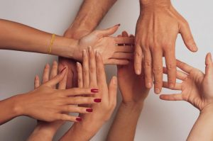 hands 1517047 freeimages 300x199 - hands-1517047-freeimages