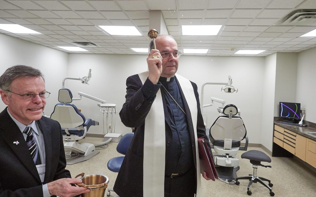 Dental service shows off new suite to potential volunteers