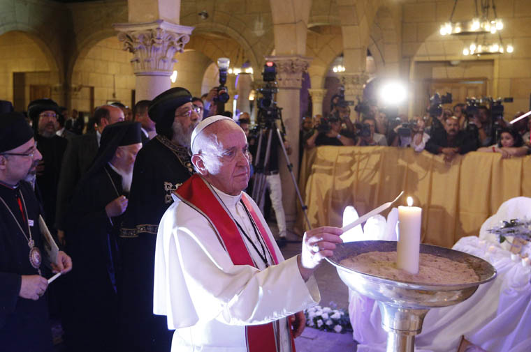 Pope, Coptic patriarch honor martyrs, urge unity for peace