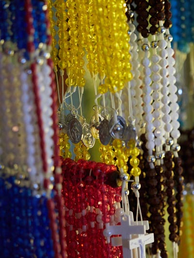 rosary closeup 1 - Glorious and gratis: half  a million rosaries