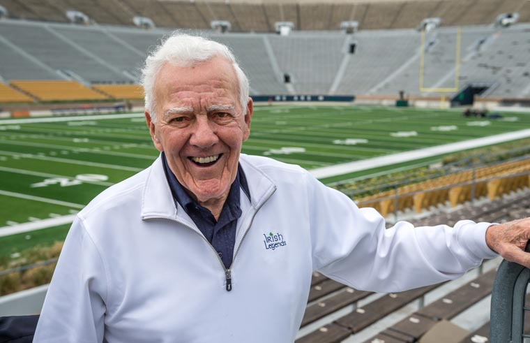 Notre Dame great Parseghian a supporter of school's Catholic faith