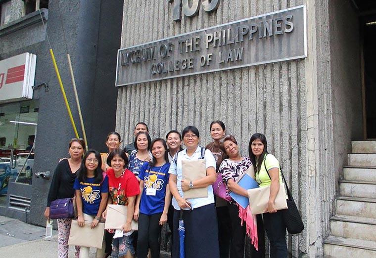 Philippine nun works to help users avoid death in drug war