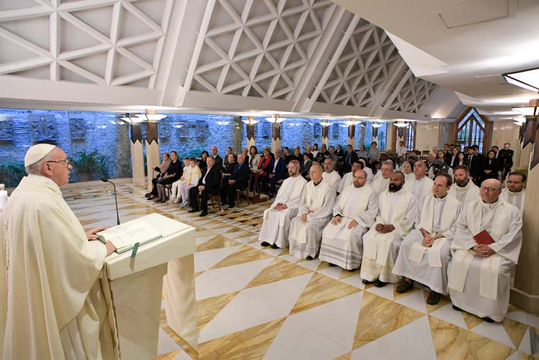 Governing requires prayer, wisdom, counsel, pope says