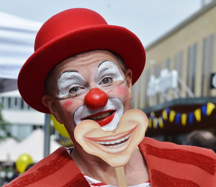 Circus performers have a 'joyful' vocation, pope says