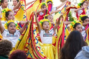 20141104cm01428 2 300x200 - Children perform during Day of the Dead vigil in Los Angeles