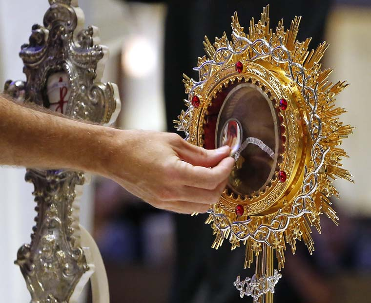Devotion to Padre Pio evident in thousands who turn out to venerate relics