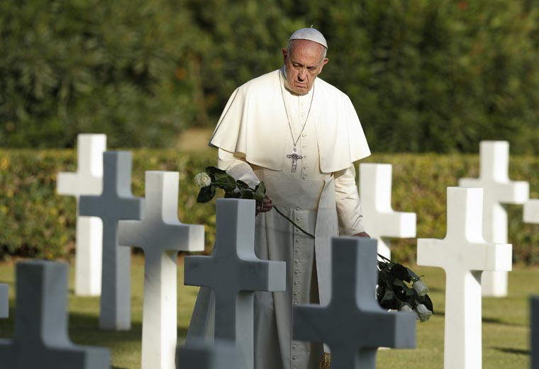 Jesus shows that death is not the last word, pope says