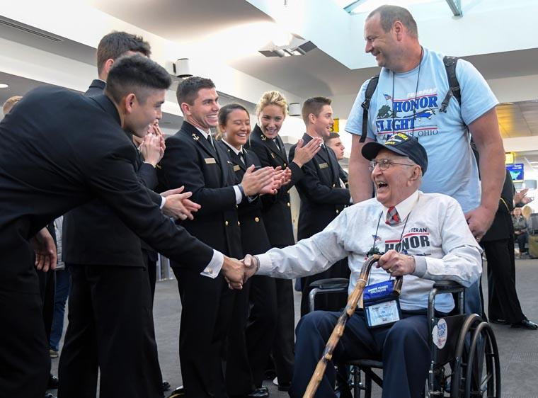 World War II, Korea and Vietnam War veterans greeted with hero's welcome