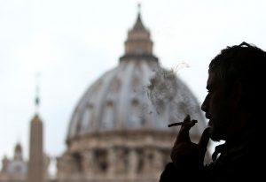 20171109T0916 12550 CNS POPE VATICAN CIGARETTES 300x206 - CIGARETTE VATICAN