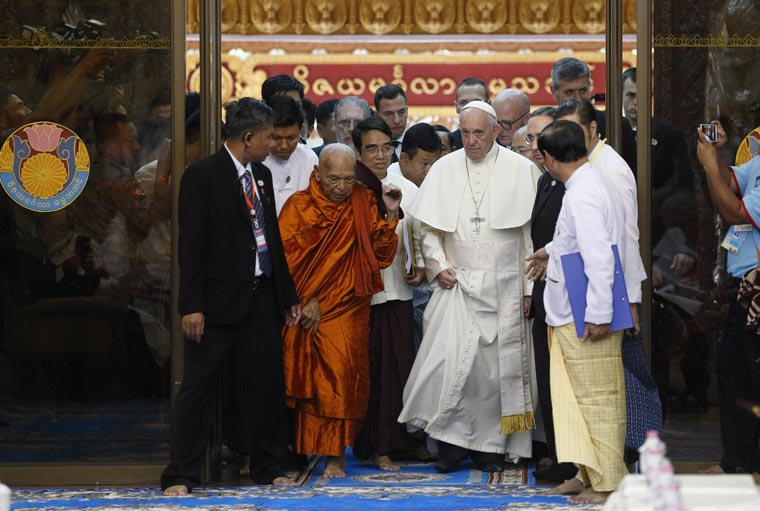 Update: Buddhists, Christians must reclaim values that lead to peace, pope says